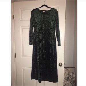 VINTAGE CRUSHED VELVET MAXI DRESS Medium
